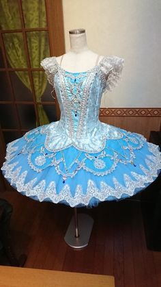 This is the season to become exciting and discover your twinkle baby tutu dress, most people is designed so where ever you go, you'll be able to show personal intensity! Tutu Ballet, Ballerina Dress, Ballerina Outfits, Bolshoi Ballet, Dance Recital Costumes, Tutu Costumes, Ballet Costumes, Carnival Costumes, Royal Ballet