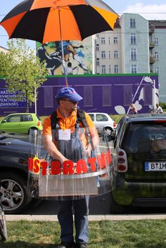 Street Food: bratwurst man . Germany