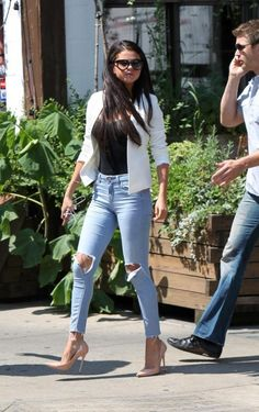 White blazer ripped jeans nude pumps love this look