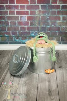 Oscar the Grouch & Slimy the Worm Photo by Photography by Jennifer Lambson  http://www.facebook.com/PhotographyByJenniferLambson    Handmade props by My Simply Sweet Little Boutique www.facebook.com/MSSLB