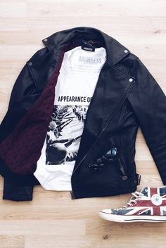 Bike leather jacket & #ABIDELESS DEMOCRACY T-Shirt & #Converse #outfitoftheday #ootd #essentials #style #bikeleatherjacket #dope