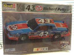 Revell Richard Petty STP #43 '84 Grand Prix NASCAR 1/24th Model Kit  1998 Rlse #RevellMonogram