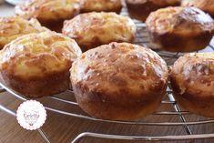 Αφράτα τυροκεκάκια με γιαούρτι- evicita.gr Pancake Muffins, Pancakes, Cheese Pies, School Lunch, Dessert Recipes, Desserts, Snacks, Cooking, Breakfast