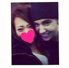 Justin with a fan in Tokyo (April 21, 2014)