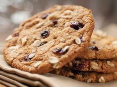 Hiland Dairy Cookie Contest - White Chocolate Cranberry Cookies - Debra R… White Chocolate Cranberry Cookies, White Chocolate Chip Cookies, Oat Cookies, Oatmeal Raisin Cookies, Healthy Cookies, Cookies Et Biscuits, Seed Cookies, Oatmeal Biscuits, Delicious Cookies