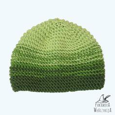 Ręcznie dziergana na drutach czapka w odcieniach zieleni.  http://pakamera.wix.com/pakamera-wloczykija#!zielono-mi-2/cpsx