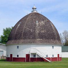 Tonsfeldt's Round Barn, 1918, Le Mars, Iowa
