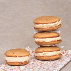 Whoopie pies de vainilla y speculoos Sin Gluten, Speculoos Cookie Butter, Biscoff, Whoppie Pies, Buttery Cookies, Nutella Recipes, Chocolate, Food To Make, Sweet Tooth