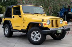 Used 2000 Jeep Wrangler Sport Stock # 705775 in League City, TX at Select Jeeps Inc., TX's premier pre-owned luxury car dealership. Come test drive a Jeep today! Two Door Jeep Wrangler, Yellow Jeep Wrangler, Jeep Wrangler Sport, Jeep Wrangler Colors, My Dream Car, Dream Cars, Dream Big, Jeep Carros, Mini Jeep