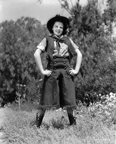 And Judy Garland embodying a cowgirl is just too good. | 15 Retro Pics Of Truly Badass Cowgirls