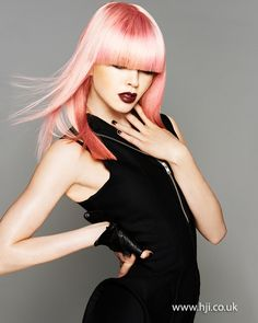 Long bob of pink - Best New Hair Styles Full Fringe Hairstyles, Cool Hairstyles, Hair Color Pink, Pink Hair, Coral Color, Hair Colors, Natural Hair Styles, Long Hair Styles, Pastel Hair