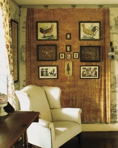 Home Tour: A Design Pioneer's House Toile Curtains, Pioneer House, Pineapple Room, Cozy Corner, Modern Interior Design, Martha Stewart, Decoration, Country Decor, House Tours