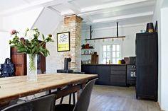 kitchen//dining..