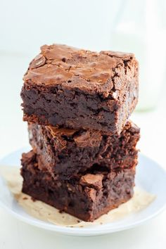The Top 15 *Most-Pinned* Brownie Recipes on Pinterest via Brit + Co