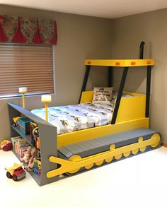 Easy to follow bulldozer bed plans in downloadable pdf format. A project you can build so your little one can transition to a big-kid bed they will love to sleep in!  Plans include: - Cut dimensions for all pieces - Materials and Quantities list - Step by step assembly instructions  So get started today and make this a fun family project!
