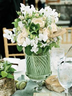 LOVE IT! wish i could grow sweetpeas! includes them, roses, mint, grasses, and mushrooms!