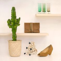 c a c t u s  désirs poudrés et piquants | sweet things and a cactus #clutch #deco #vintage #cactus #lovelythings #nicethings photo charlotteleduc repost @lesvoltigeuses - we make cool bags in Africa  just for cool girls. are you a cool girl? #inaden #leatherbag #coolbag #madeinAfrica #handmade #madewithlove #ethicallymade #sustainablefashion #ethicalfashion #slowfashion #frenchdesign #frenchlabel #africanlabel