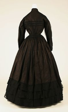 Mourning dress c. 1867 back view bodice detail stripes - cotton, silk