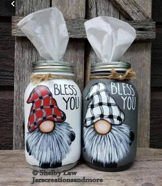Diy Christmas Decorations, Diy Christmas Gifts, Holiday Crafts, Christmas Wood Crafts, Jar Crafts, Bottle Crafts, Painted Mason Jars, Mason Jar Painting, Mason Jar Gifts