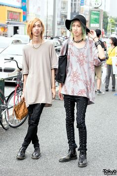 Japanese twins Yusuke and Tadahiro on the street in Harajuku wearing items by Vivienne Westwood, Dr. Martens, Cheap Monday, Uniqlo, and MCM. Tokyo Fashion, Japanese Street Fashion, Harajuku Fashion, Fashion 2015, Fashion Trends, Vivienne Westwood Tops, Fashion Models, Fashion Outfits, Quirky Fashion