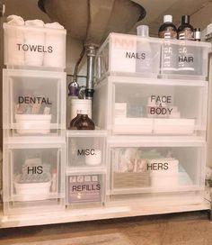 Small Bathroom Organization, Home Organization Hacks, Bathroom Storage, Under Bathroom Sinks, Dorm Bathroom, Organized Bathroom, Organising Ideas, Bathroom Hacks, Organisation Ideas