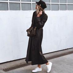 """1,888 """"Μου αρέσει!"""", 63 σχόλια - M A R G A R I T A (@ritamargari) στο Instagram: """"vintage leather coat for rain ☔️"""""""
