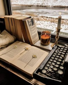 Brown Aesthetic, Aesthetic Vintage, Aesthetic Photo, Aesthetic Pictures, Paradis Sombre, My Academia, Der Bus, Slytherin Aesthetic, Aesthetic Bedroom