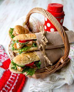 Täytetyt patongit #resepti #taikina #leivonta #patonki #voileipä Finger Food Appetizers, Finger Foods, Bread Baking, Wicker Baskets, Picnic, Eat, Merry, Drink, Greedy People