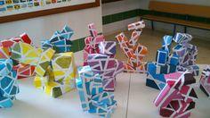 Escultura realizada por alumnos y alumnas de 1º de ESO. Gama monocromática.