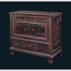 "CHEST OVER DRAWER/ Artist unidentified, Guilford-Saybrook area, Connecticut, 1690–1720, paint on oak and pine, 41 × 46 1/2 × 20 3/4"", collection American Folk Art Museum, gift of the Historical Society of Early American Decoration, 58.33. Photo credit: John Parnell."