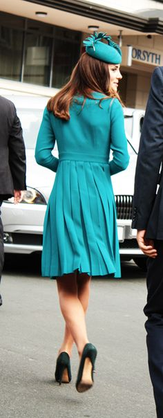 The Duchess leaving after greeting people outside the church in Dunedin, New Zealand | Royal Tour - April 13, 2014