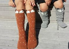 How adorable are these fox socks?! Perfect for little girls and little boys. They look adorable with skirts, shorts or paired with a simple
