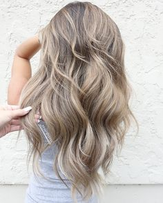 Long ash blonde balayage beige hair