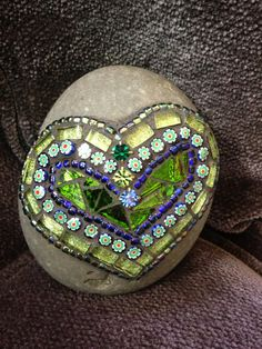Mosaic Art Rock of Love by Moonjewelsandmosaics on Etsy by terri Mosaic Rocks, Wood Mosaic, Stone Mosaic, Mosaic Art, Mosaic Glass, Mosaic Tiles, Glass Art, Stained Glass, Tiling