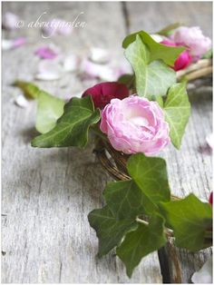 wreath roses