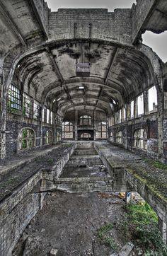 The  abandoned Charleroi zoo (HDR) by B.Jansma