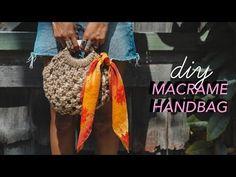 Diy how to make a macrame bag Handbag Tutorial, Diy Handbag, Macrame Purse, Macrame Knots, Micro Macramé, Macrame Patterns, Knitting Patterns, Macrame Projects, Handmade Bags