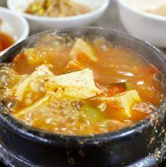 Gettin' Jjigae Wit It Pt.2 #러브닷 #luvdat #seoul #Garosugil #Kimchi Jjigae #Doenjang Jjigae #Budae Jjigae #Sundubu Jjigae