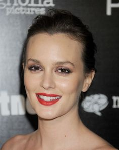 Leighton Meester's shimmery eyeshadow and red lips