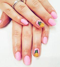 Got my nails did! I love them so summery! Thanks @thefinalnail