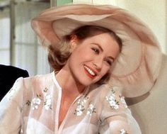 """💗 Lovely picture of happy Grace Kelly at """"High Society"""" movie when Tracy Lord got married with C. Dexter Haven (Bing… Old Hollywood Glamour, Golden Age Of Hollywood, Vintage Glamour, Vintage Hollywood, Vintage Beauty, Classic Hollywood, Grace Kelly Mode, Grace Kelly Style, Princesa Grace Kelly"""