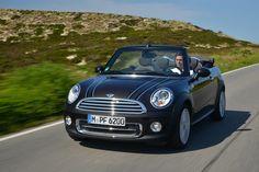 MINI Cabrio picks up speed. #mini #cabrio