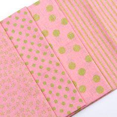 Balíček látek malý růžovozelený 4 x 28 cm x 32cm Continental Wallet, Fashion, Scrappy Quilts, Moda, Fashion Styles, Fashion Illustrations