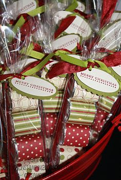 Great little food gift you do not have to bake!  (CCV) Little Hershey Bars wrapped in gift wrap and then bagged and tagged. Cute idea!