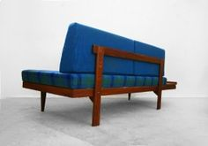 MIDCENTURY MODERN | Daybed