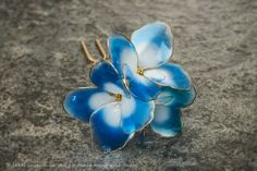 Photo by Ryoukan Abe (www.ryoukan-abe.com)         2014 紫陽花 簪【 水の器・紺碧 】 Japanese… Resin Jewelry, Hair Jewelry, Antique Jewelry, Wire Flowers, Kanzashi Flowers, Felt Hair Accessories, Fantasy Films, Pretty Wallpapers, Hair Ornaments