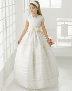 Jewel Neck Ball Gown Pattern Organza First Communion Dress With Double Bows Peach Prom Dresses, Girls Pageant Dresses, Mermaid Prom Dresses, Blush Flower Girl Dresses, Little Girl Dresses, Flower Girls, Holy Communion Dresses, Evening Dresses Online, Gown Pattern