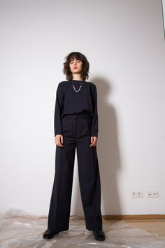 Moe Oslo is a contemporary women's clothing brand with Scandinavian roots. Aw17, Oslo, Normcore, Make Up, Suits, Clothes For Women, Model, Style, Fashion