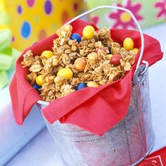 Use tin pails to hold your snacks and as a favor bag.