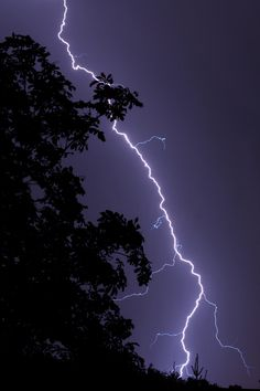 Lightning by Lars by jacquelyn Black Aesthetic Wallpaper, Aesthetic Backgrounds, Aesthetic Iphone Wallpaper, Aesthetic Wallpapers, Wow Photo, Applis Photo, Night Aesthetic, Purple Aesthetic, Lightning Photography